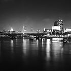 London Skyline from Hungerford Foot Bridge by k8em