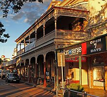 Childers Backpacker Hotel, QLD by Paul  Donaldson
