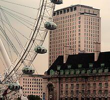 London Eye by davidautef