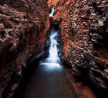 The Spider Walk - Hancock Gorge - Karijini NP by Matt  Streatfeild