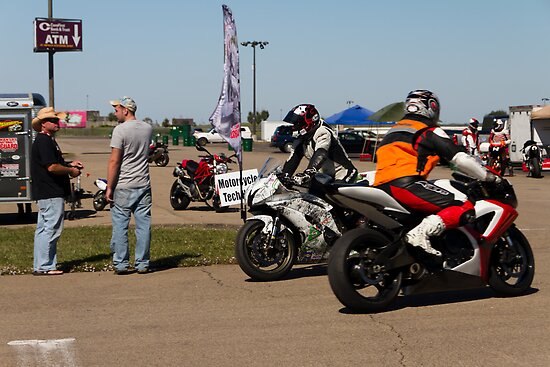 Suzuki GSX-Rs Going To and From the Pits by Paul Danger Kile
