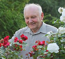 Portrait of grower of roses by fotorobs