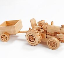 Wooden tractor by fotorobs