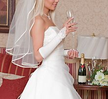 Bride with glass by fotorobs