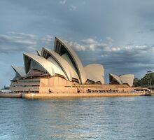 Sydney Opera house by Yvonne Kirk