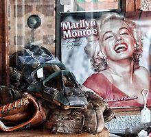Marilyn memorabelia by vigor