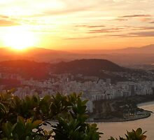 sunset in Rio de Janeiro by supergold