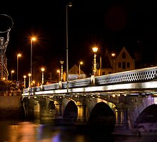 Queens Bridge by Chris Cardwell