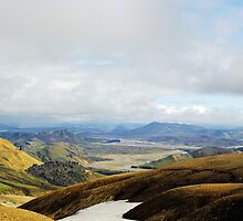 Magic view of Landmannalaugar valley by Osveyre