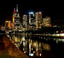 Melbourne at Night 4117 by Kayla Halleur