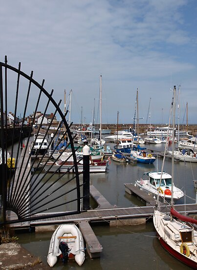 Watchet Harbour by kalaryder