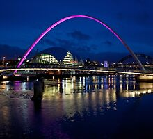 Gateshead Millennium Bridge, Newcastle by Sandra Cockayne