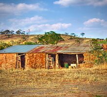 The Old Barn - Princess Highway, Kanmantoo, South Australia by Mark Richards