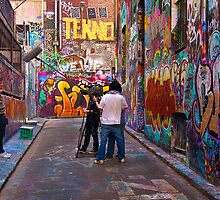 The interview - Hosier Lane by Hans Kawitzki