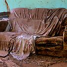 Old Couch by sedge808
