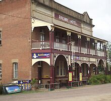 Ravenswood Pub, Ravenswood, Queensland, Australia by myhobby