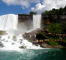 Beautiful Niagara Falls by CalumCJL