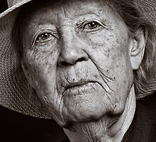 Old women by Albert Smirnov