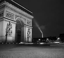 Paris Arc de Triomphe by bertipictures