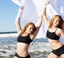 Aerial Tissu at the Trapeze Beach Camp by Dancing in the Air ®