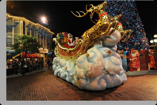 Christmas Parade at Disneyland, Hong Kong by Ralph de Zilva