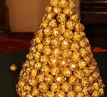 Ferrero mountain - Happy Christmas! by Anna Goodchild