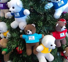 Teddy and playmates playing up the tree... by mariatheresa
