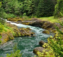 Clackamas River in Oregon by kilbornz