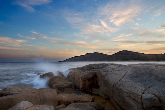 Bicheno coastal sunset - Tasmania by clickedbynic
