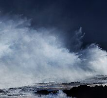 Winter Waves At Waimea Bay 7 by Alex Preiss