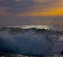 Waves of Phillip Island by Shaynelee