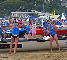 Lorne girls relax before start by Andy Berry