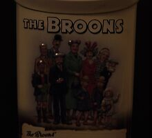 The Broons ,,, 75th anniversary tin by pater54