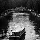 Canal St Martin by tunna