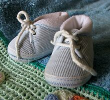 Baby's shoes by Honeyboy Martin