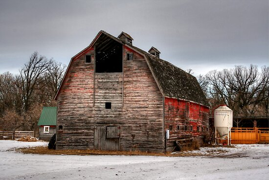 Wilkinson's Barn by Larry Trupp