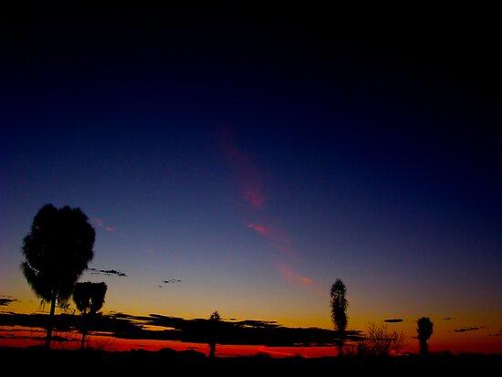 Uluru Dusk by Lee Harvey