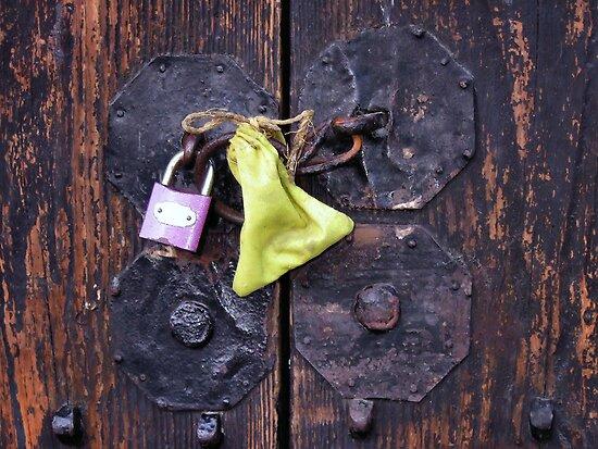 Door riddle (1) by Marjolein Katsma