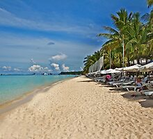 Boracay Beach by TedmBinegas
