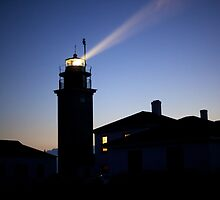 Beavertail Lighthouse II - Rhode Island by Reuben Reynoso