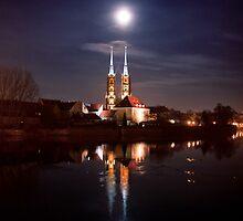 Full moon - full by Dominika Aniola