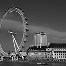 London Eye B&W by Dean Messenger