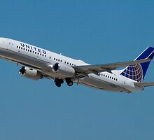 United N33294 Boeing 737-824 on Take Off by Henry Plumley