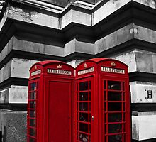 Red Telephone Box by eddiechui