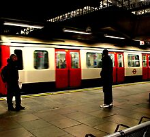 The Train Arrives - Metropolitan Line by rsangsterkelly