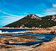 Two Peoples Bay by Andy and Von Quinn