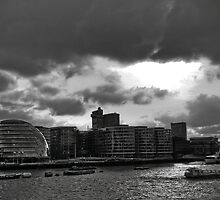 River Thames and City Hall, London by Norto