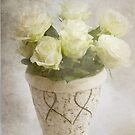 White bouquet by Taschja Hattingh