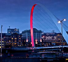 Gateshead Millenium Bridge by Stuffy