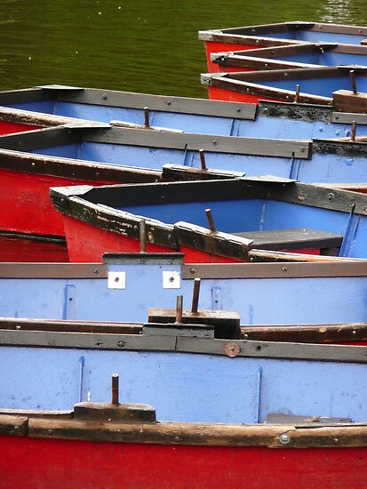 Arty shot of row boats by Woodie